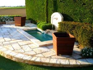 Fontaine dans un bassin - Livron-sur-Drome