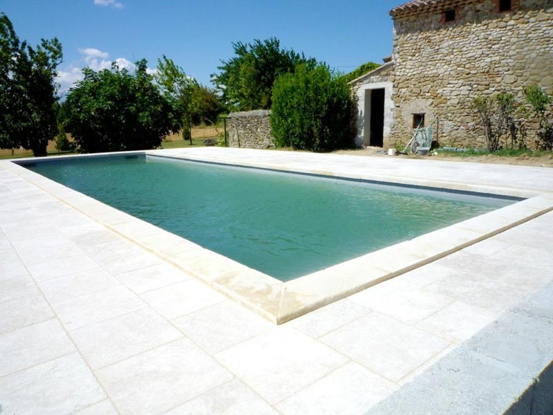 Piscines et bassins dupr la tour paysage 22 ans d for Piscine tours