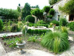 Jardin classique - jardin dansant - La-Voulte