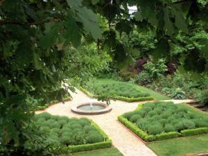 Jardin classique - jardin en croix